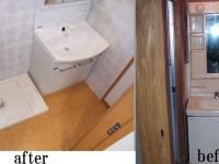 【洗面所】以前は洗面所のみの狭い空間でしたが、リフォーム後は洗濯機置き場や洗面所の前に収納スペースを設け使い易い空間へ